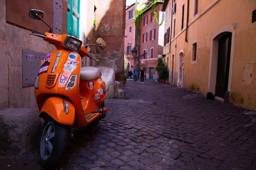 scooter vespa Rome Trastevere